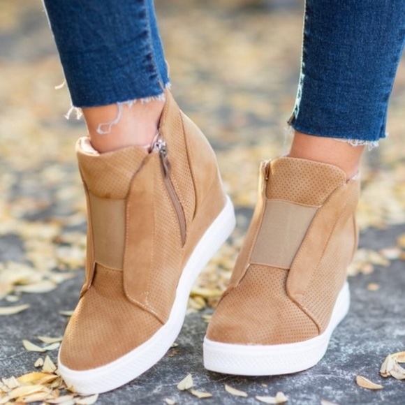 CCOCCI Shoes | Last Pair Camel Wedge